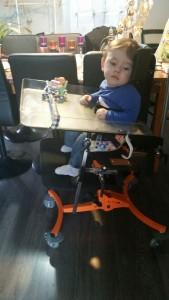Kerwan dans son corset siège.